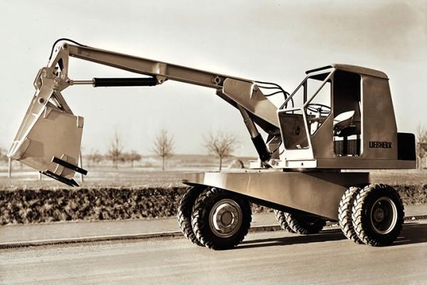 Легкий колесный экскаватор Liebherr L300